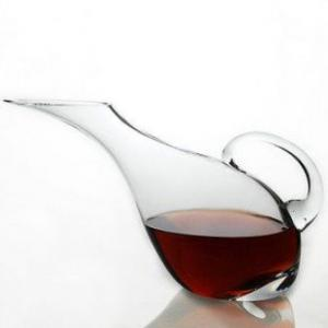 wine-decanter-with-handle