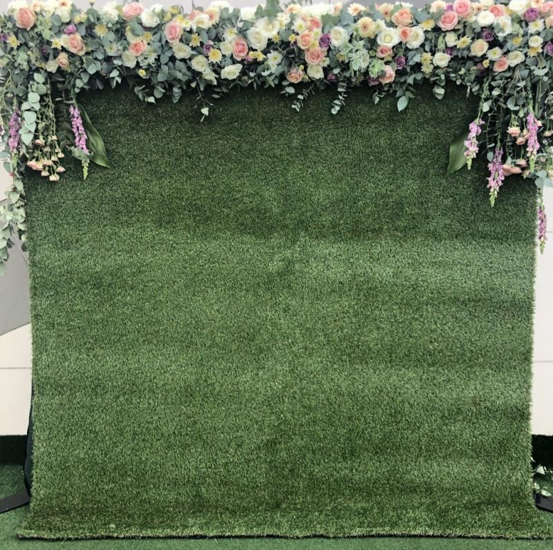 fresh-flower-wall-with-grass-backdrop