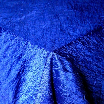 tablecloth-crushed-taffeta-blue