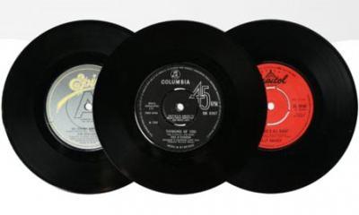 record-under-plates