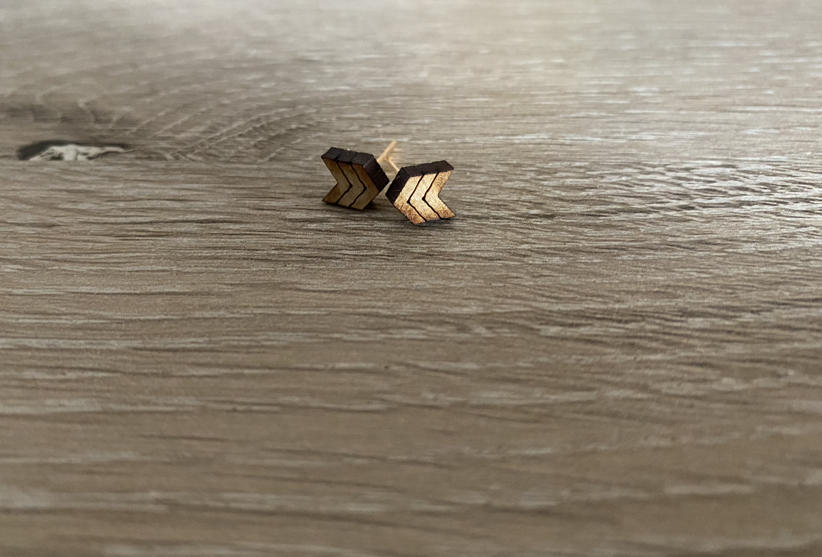 wood-arrow-earring