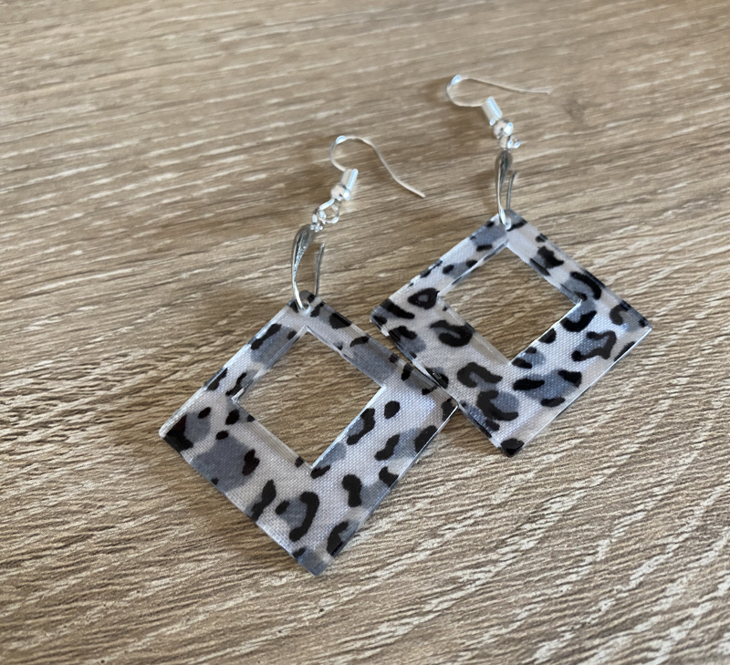 leopard-earrings