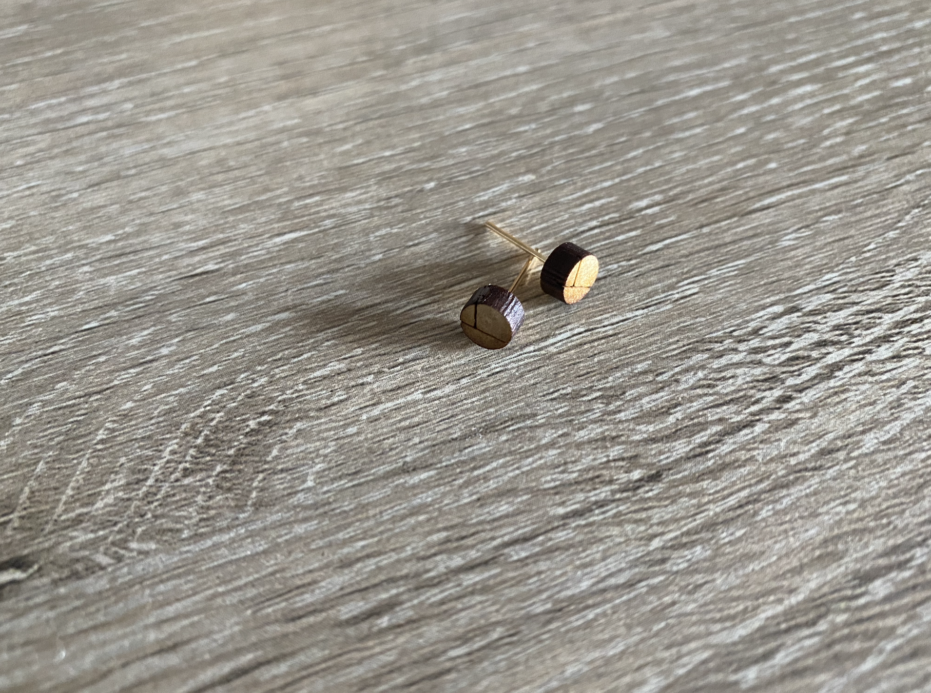 wood-round-lined-earring